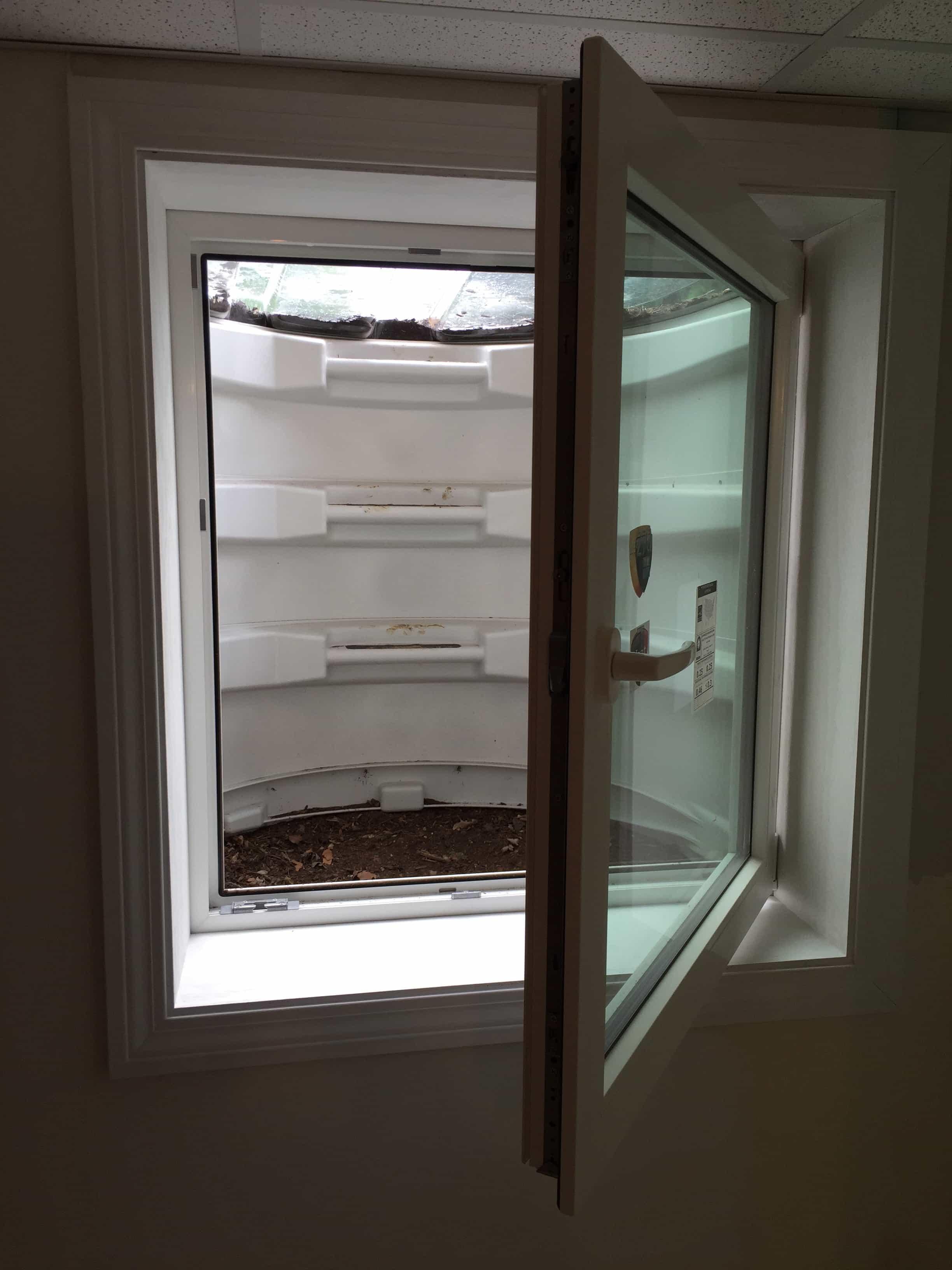 Egress windows from sahara window and doors - Basement bedroom egress window requirements ...